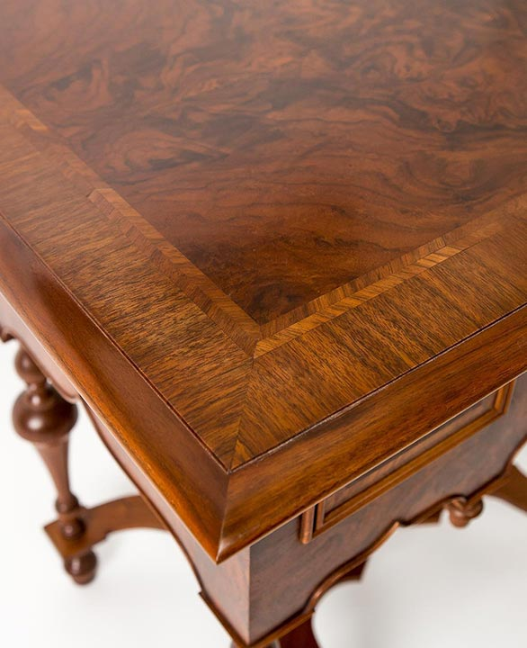 William and-marry dressing table walnut finished burl veneer